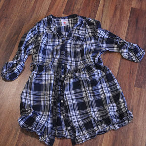 Blank and white gingham style maternity shirt